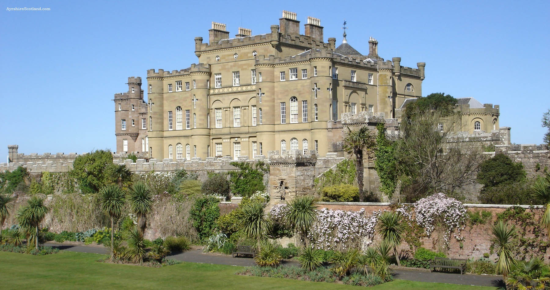 Bedroom detached house for sale in crathie ballater aberdeenshire - Culzean Castle Formerly A Rather Dull Fortified Tower House Culzean Was Transformed By Architect Robert Adam Into A Mansion Of Sumptuous Proport
