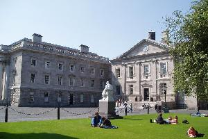 how to get from dublin airport to trinity college