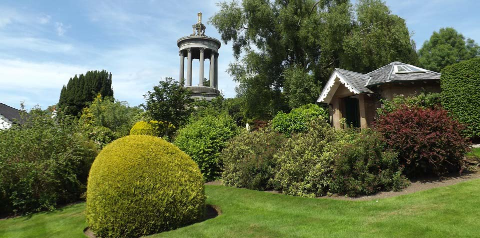 Alloway Gardens Statue House image